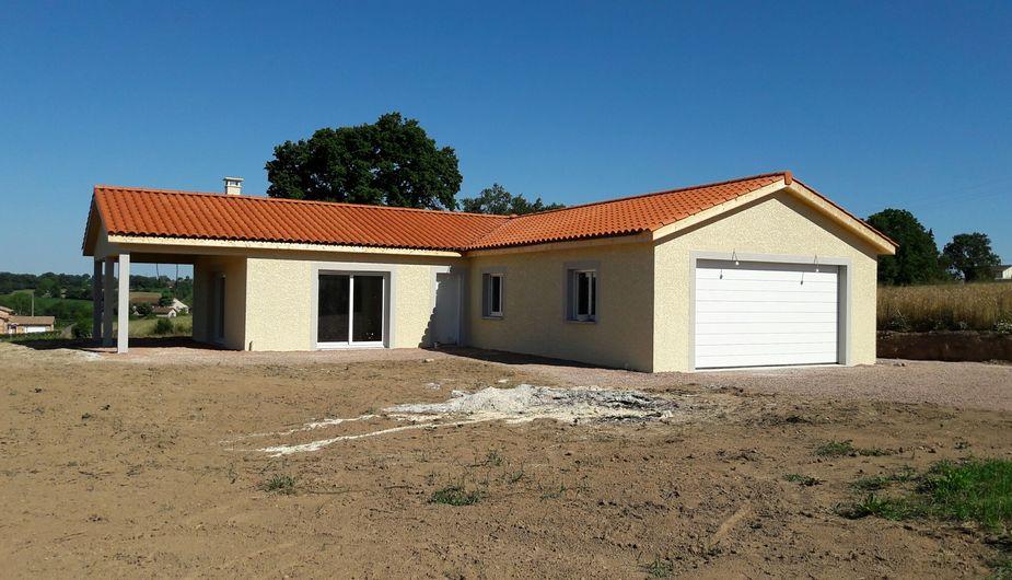 Maison De Plain Pied Avec Terrasse Couverte Avec 3 Chambres Sur La